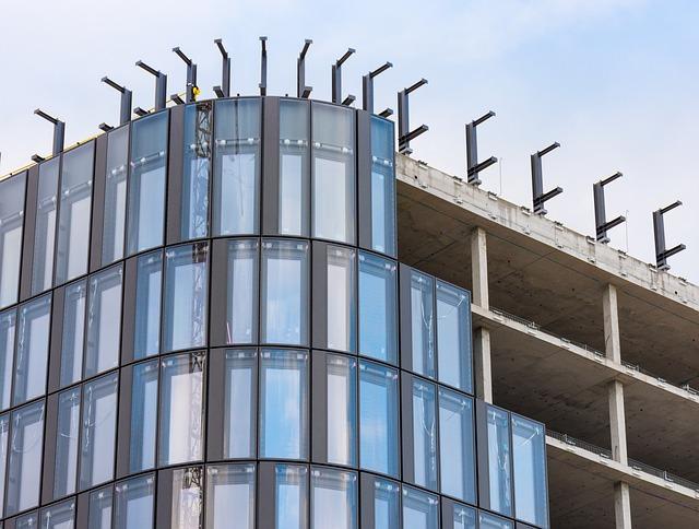stavba skleněné fasády