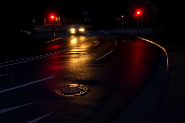 noční silnice