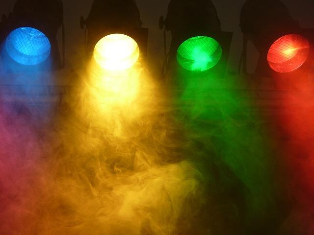 spotlight-802633_640