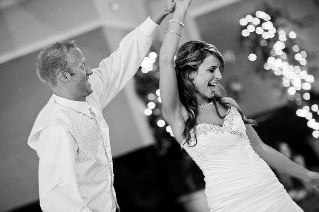 kouzlení s novomanželi